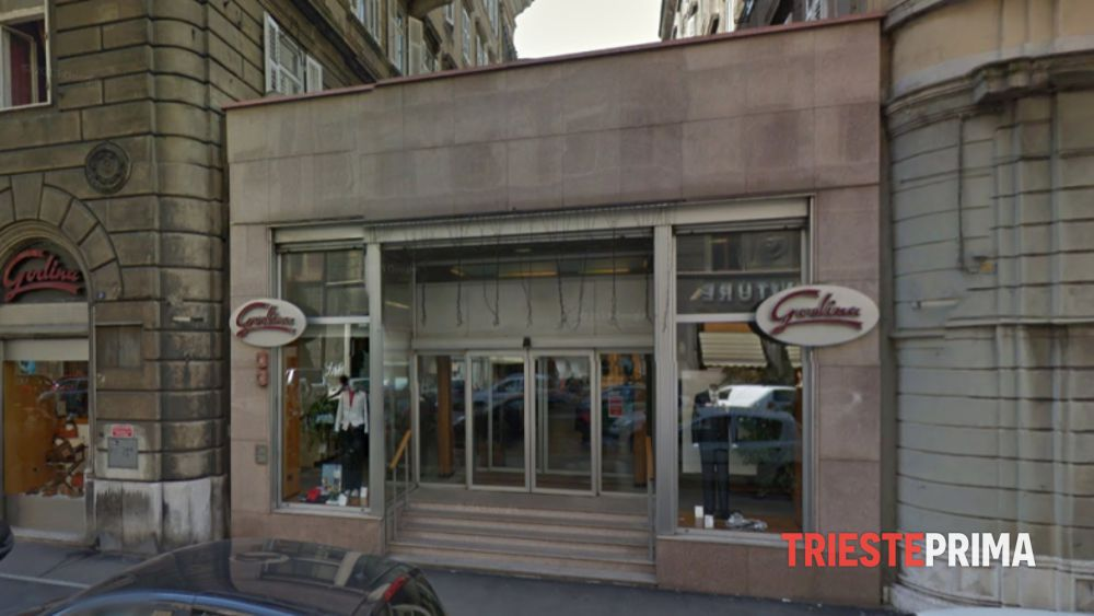 La «rinvincita» di Godina  riapre lo storico negozio tra emozioni e ... 98e8604bb56
