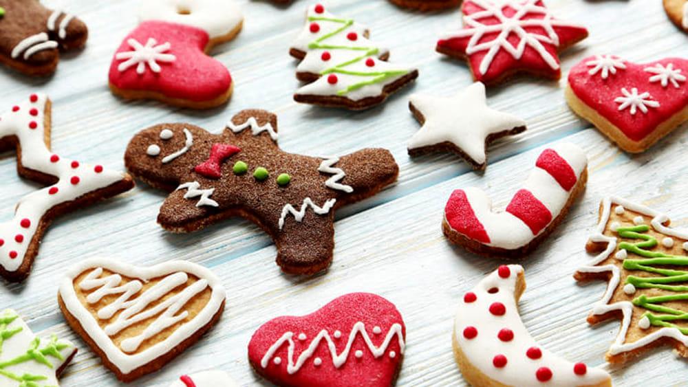 Dolci Di Natale Biscotti.Dolci Delle Feste Last Minute La Ricetta Veloce Dei Biscotti Di Natale